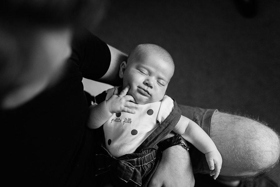 photographe nouveau-né bébé famille lifestyle à domicile savoie chambéry