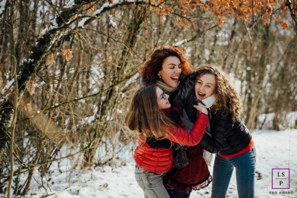 Séance photo famille en extérieur portrait mère filles chambéry savoie