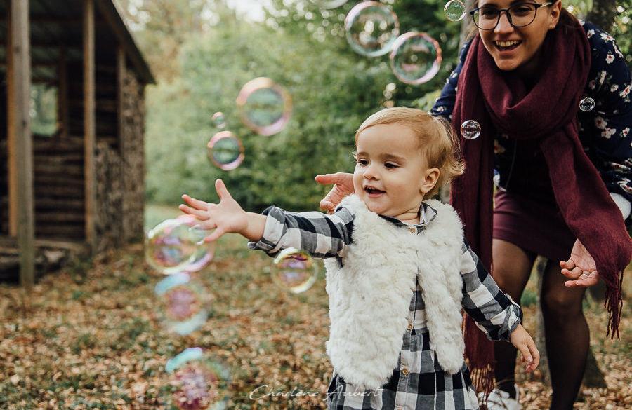Séance photo bébé maman automne bulles chambéry savoie rhône-alpes