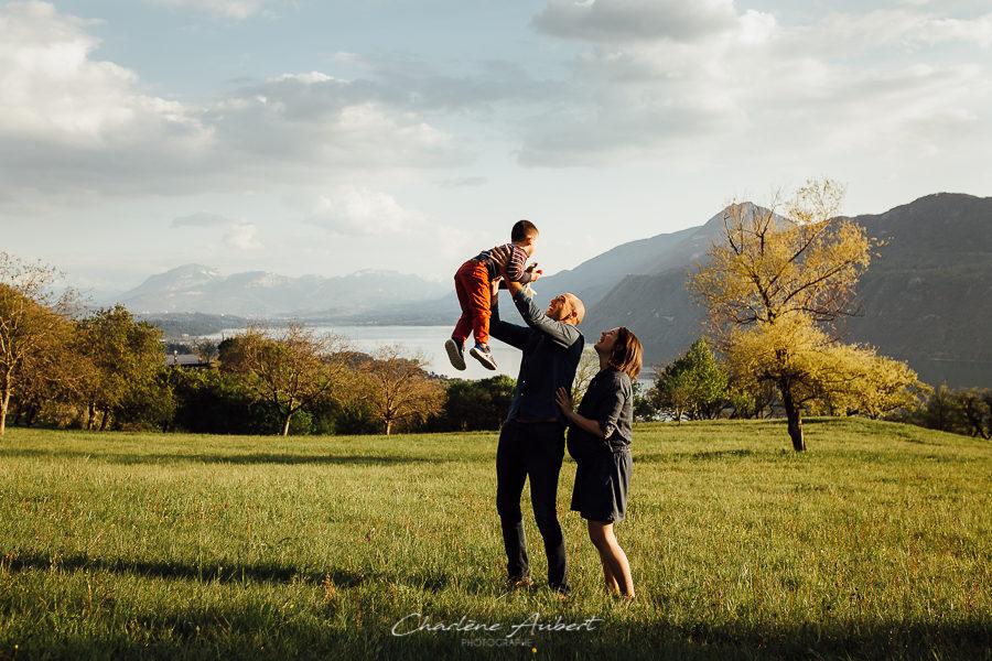 séance photo grossesse future maman maternité en extérieur lac du bourget savoie chambéry