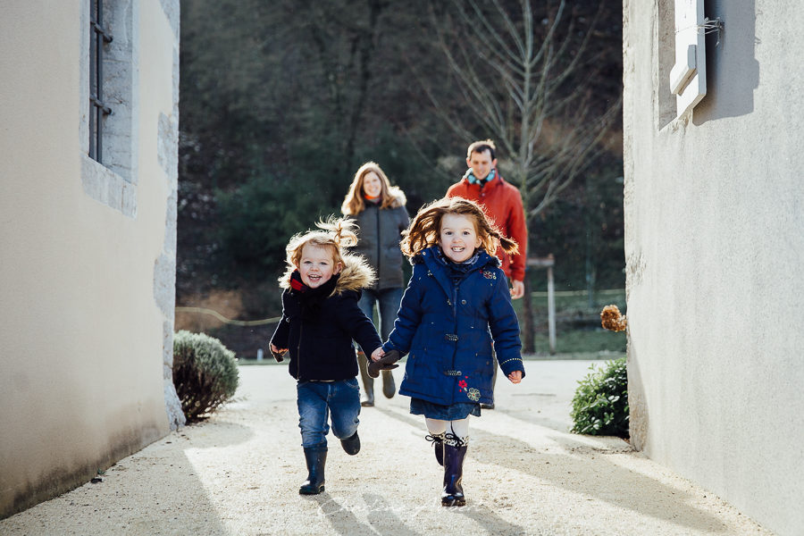 Séance photo famille en extérieur portrait famille chambéry savoie
