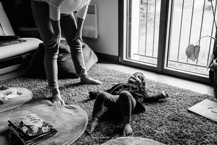 Séance photo famille à domicile portrait enfant chambéry savoie