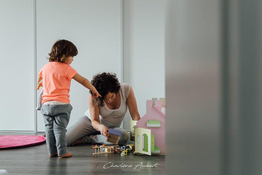 Séance photo famille à domicile enfant chambéry savoie