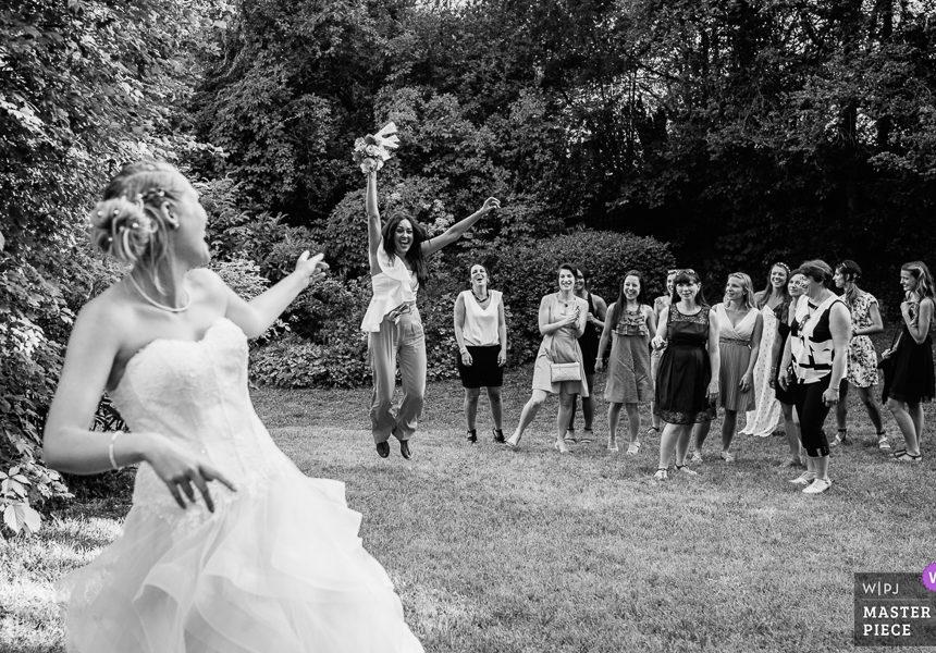 photographe reportage mariage chambery rhône-alpes Lyon chateau de chessy lancé du bouquet