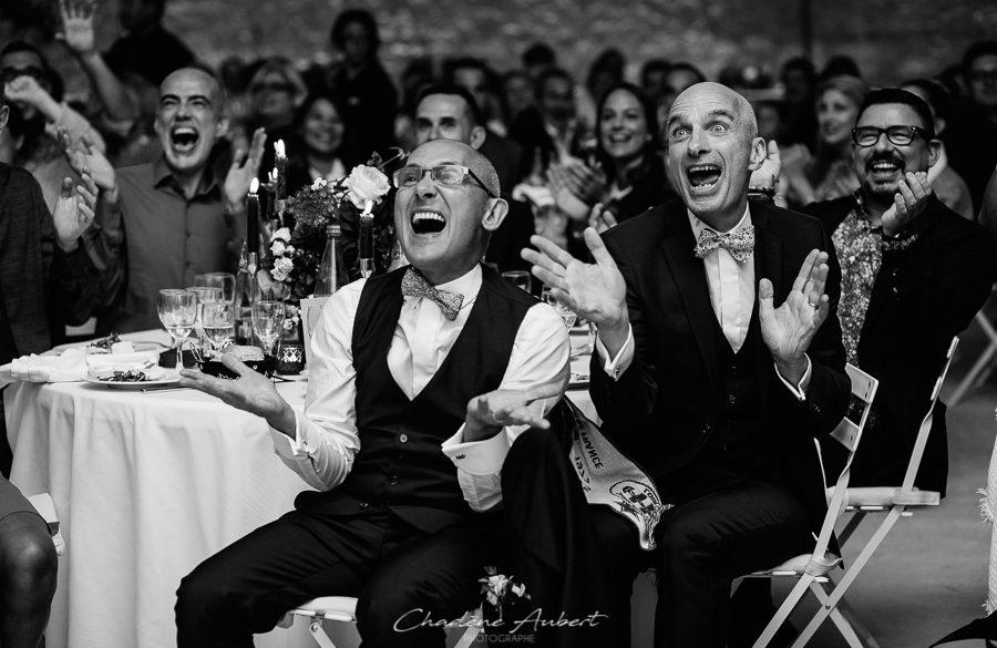 reportage de mariage pour tous au domaine de sarson en drôme provençale, noir et blanc reportage soirée
