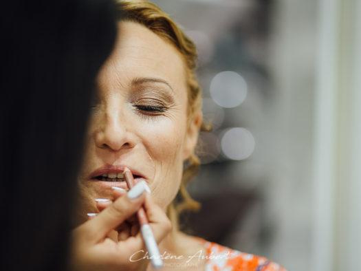 reportage de mariage dès les préparatifs, maquillage de la mariée à aix-les-bains