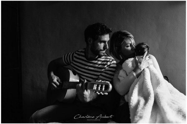 séance photo reportage nouveau-né à domicile, séance au naturel à Chambery