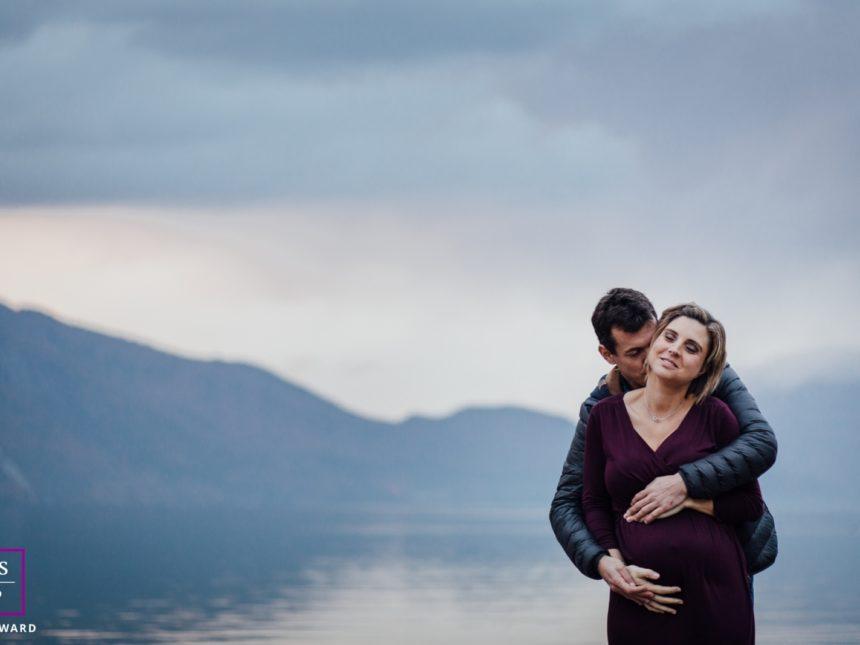 séance photo grossesse en extérieur au bord du lac du bourget charlene aubert photographe